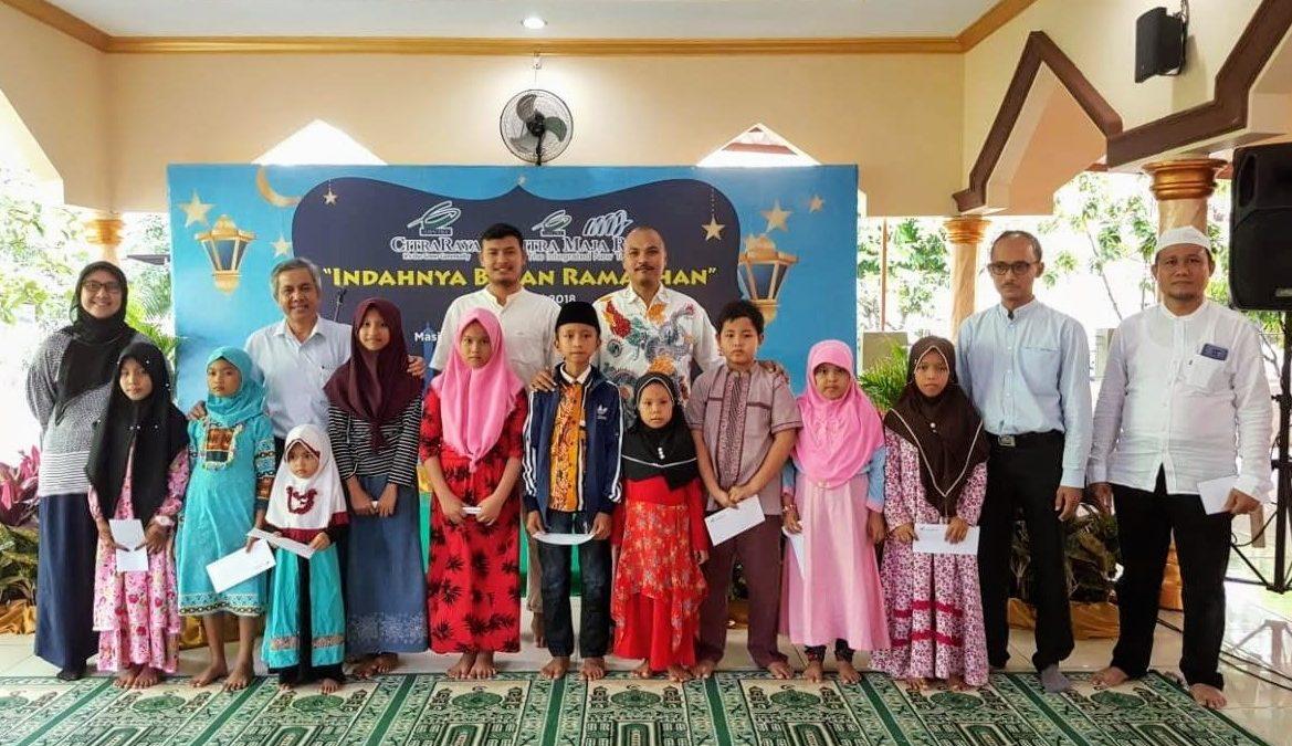 CitraRaya Bagikan Ratusan Paket Santunan Anak Yatim dan Jompo di Kecamatan Panongan